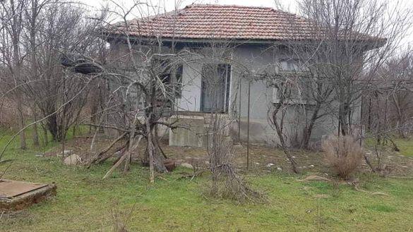 Продавам имот в село Деветинци