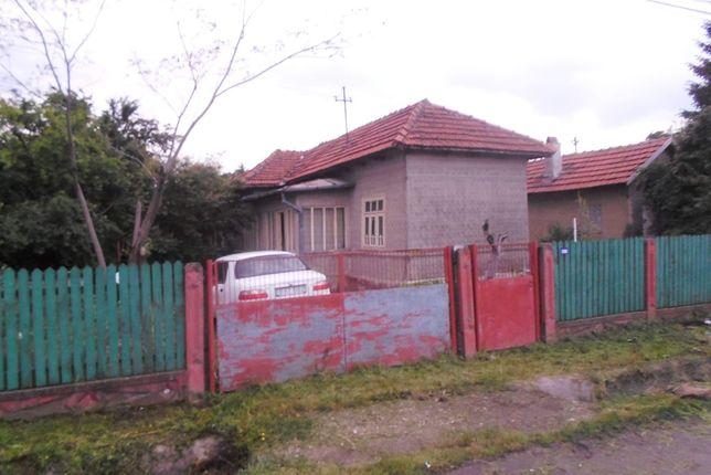 Casa 4 camere si teren in Costesti