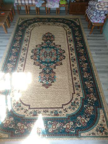 Продам ковёр 290*485