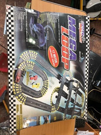 Set Joc Pista de Curse 2 in 1 cu 2 masini si 2 controlere, pista17metr