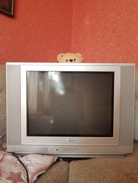 Продам хороший телевизор.