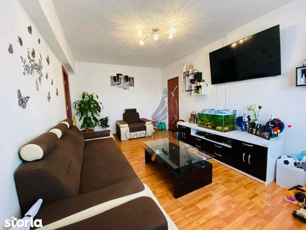 Apartament cu 3 camere de vanzare, Rogerius, Oradea V2694