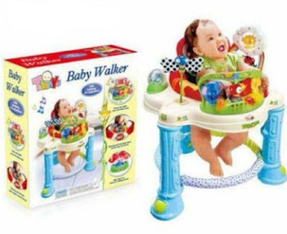 Premergator cu centru de activitati Baby Walker
