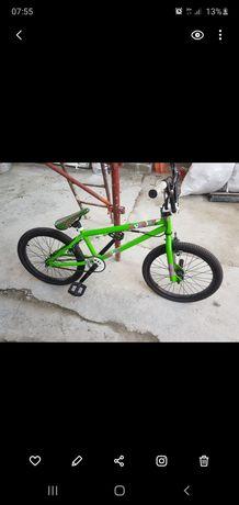Bicicleta BMX GT roti 20