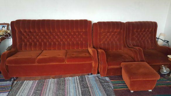Диван тройка (разтегателен)      Два фотьойла и табуретка.