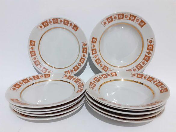 Руски порцеланов сервиз 12 чинии за хранене,,БФЗ,,От 78-80г.С позлата.