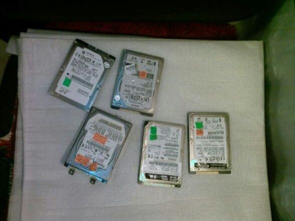 Hard discuri laptop-sata si cu pini-ata,200Gb-sata,160Gb-sata,20-60ata