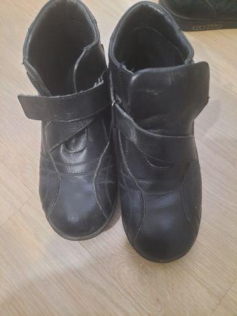 Продам ботинки осень
