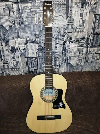 Продам гитару за 20 тыс!! Нигде нету царапин, в отличном состоянии!!