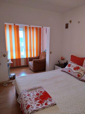 Apartament 3 camere, de vănzare
