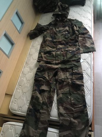 Военни/Камуфлажни дрехи