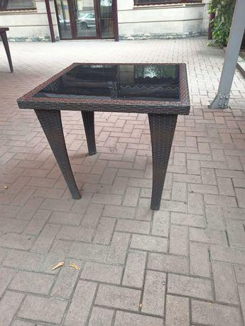 Продам стол из ротанга
