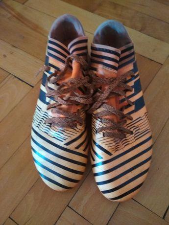 Футболни обувки Адидас