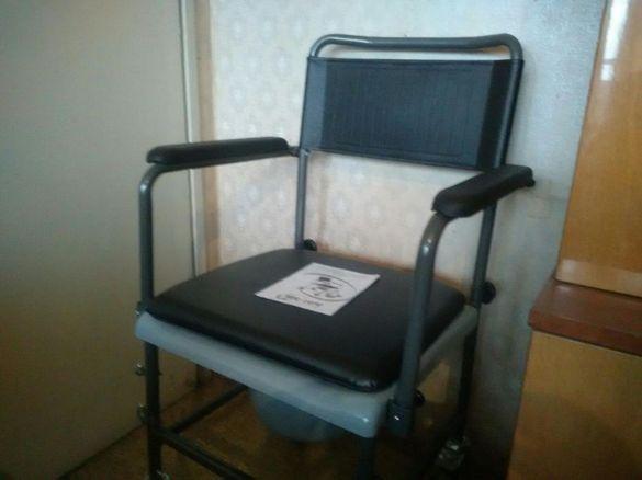 Нов ,немски, комбиниран стол за баня и тоалетна