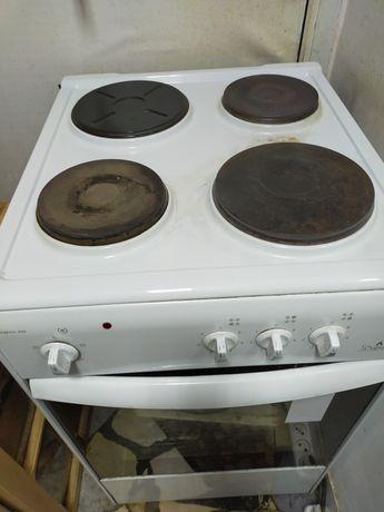 Продаётся Электрическая плита и телевизор в очень хорошем состоянии