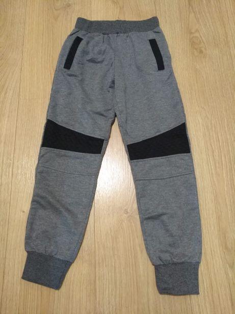 vand pantaloni trening pentru baieti