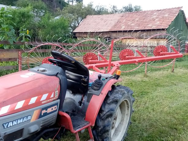 Vând tractor Yanmar