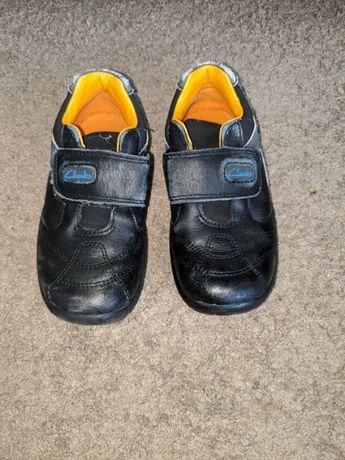 Pantofi Clarks marimea 26