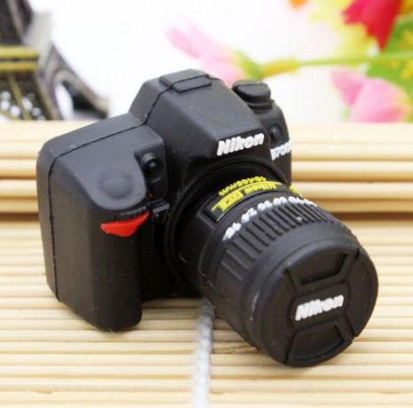 Фотоапарат Nikon , USB 32 GB ГБ , флаш памет , флашка камера Никон