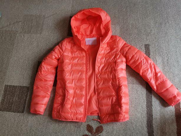 Vând jachetă damă CROPP - NOUĂ. Mărime XL.