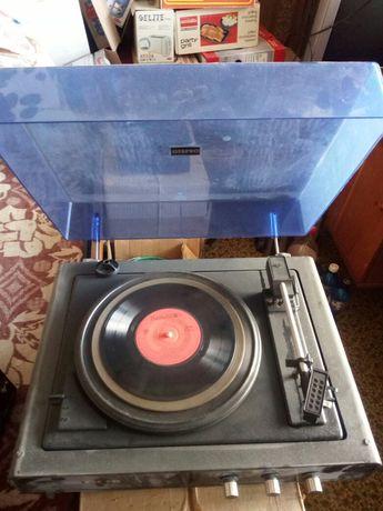 Грамофон+подарък грамофонна плоча