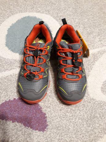 Adidasi/pantofi sport copii marimea 33, trekking, noi