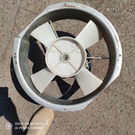 Продам промышленный электровентиляьор для вытяжки