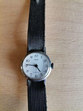 Советские винтажные женские наручные часы Заря