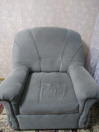 Продам 2 кресла в комплекте