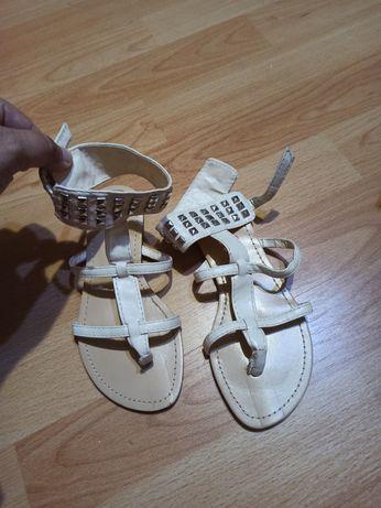 Sandale fetițe noi mărime 30