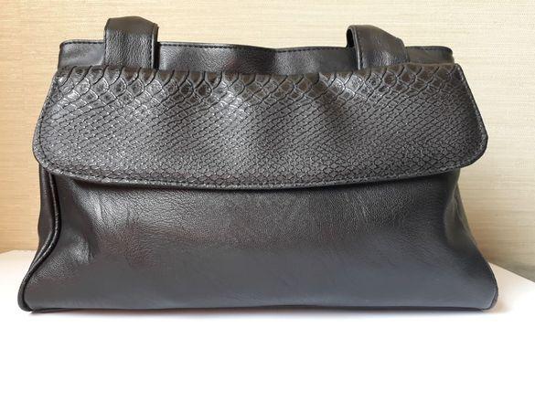 дамска чанта кожена в черен цвят