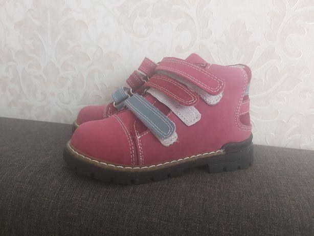 Новые осенние ботиночки для девочки