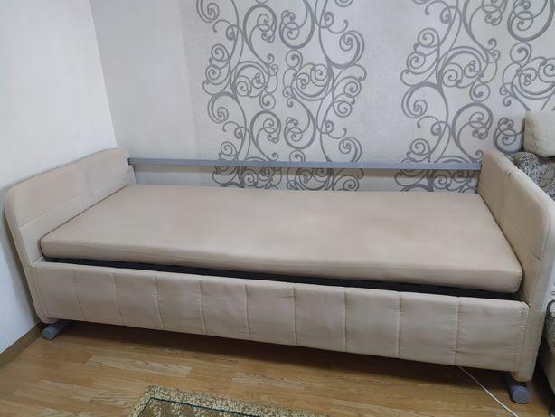 Продам диван-кровать двухьярусный