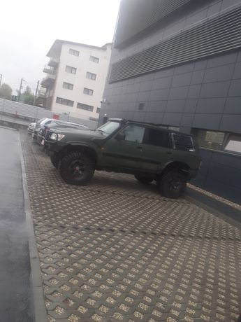Vand jeep de off road cu acte mai multe detali la tel