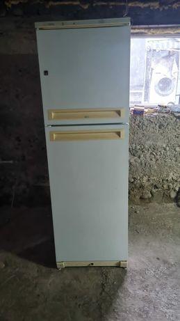 Холодильник LG..