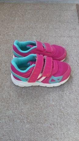 Маратонки Adidas размер 24