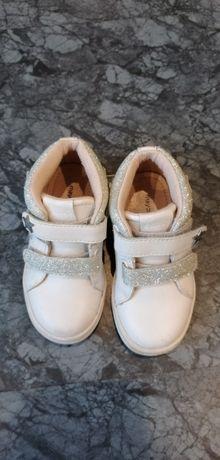 Детски обувки на марка Mayoral