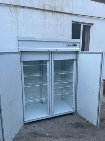 Продам Большой производственный холодильник