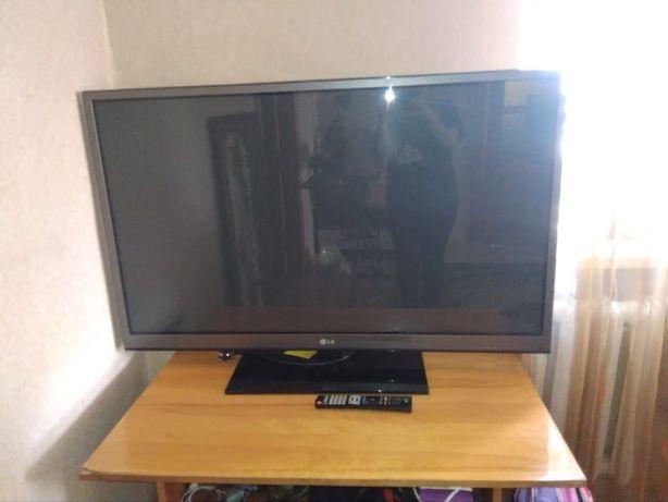 Телевизор большой, телевизор новый LG