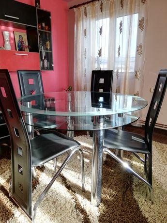 Vând masa cu scaune