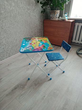 Продам детскую стол с стулем