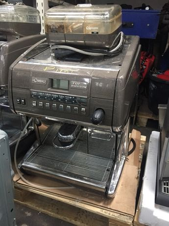 кафе машина/робот LaCimbali Е39 Barsystem