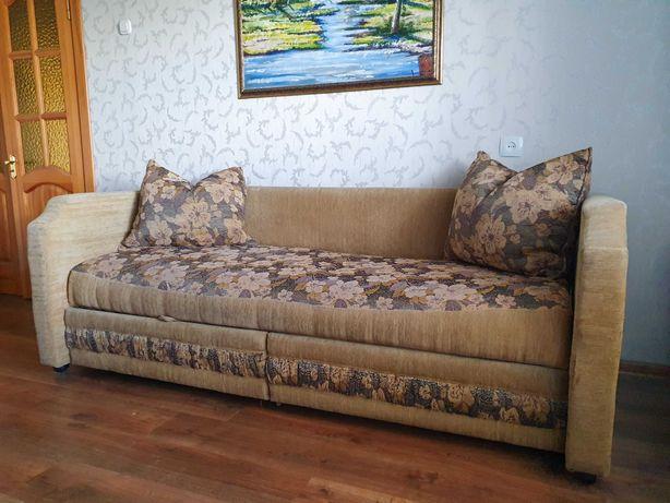Срочно продаем диван