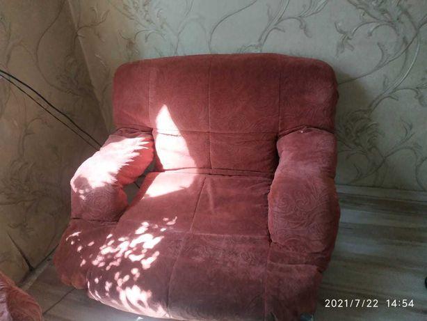 Кресло 2 шт бу срочно