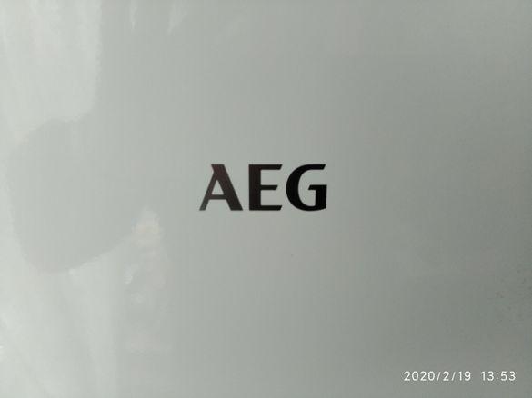 """Продавам хладилник """"АЕG"""" с отделна камера - нов"""