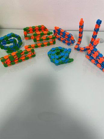 Tracks fidget toys