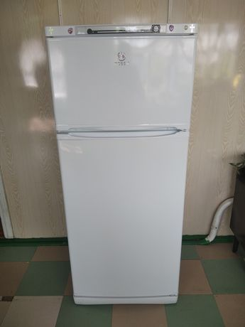Продам холодильник 60000