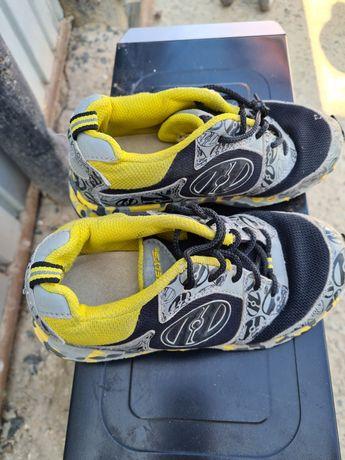 Обувь детская кроссовки