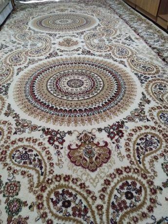 Продам ковёр полу-шерсть