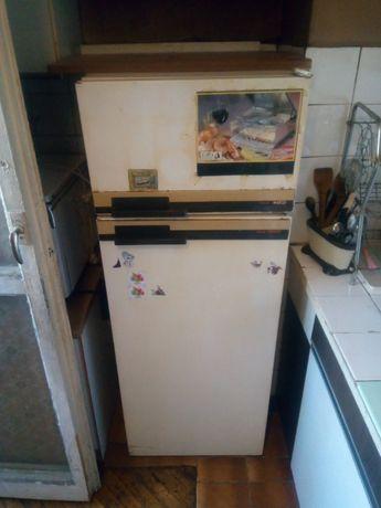 Продавам компресор за хладилник зануси